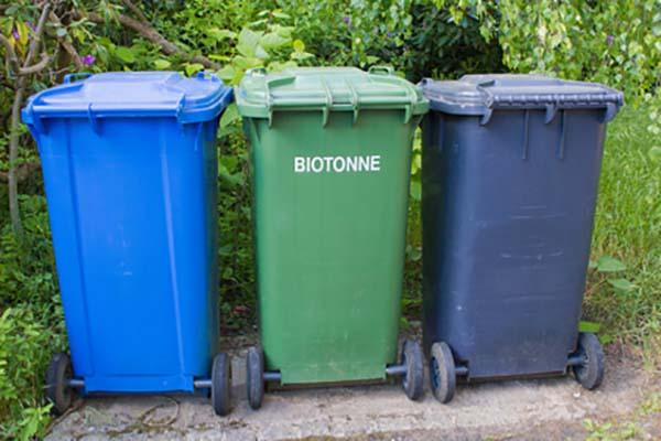Verschiedene Mülleimer