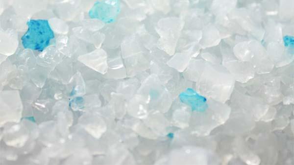 Silikatstreu in Form von Kristallen.